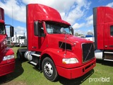 2012 Volvo D11 Truck Tractor, s/n 4V4M19DFXCN550626: S/A, 365hp, Eaton Full