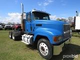 2000 Mack CH613 Truck Tractor, s/n 1M2AA18Y7YW130816