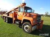 1992 Ford L8000 Bucket Truck, s/n 1FDYW82A1NVA26182: T/A, Diesel, Auto, Ell