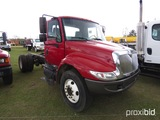 2002 International 4300 Cab & Chassis, s/n 1HTMMAAN52H501088: DT466, 6-sp.