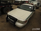 2005 Ford Crown Victoria, s/n 2FAFP71W65X128646 (Salvage): 4-door (County-O
