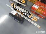 Dewalt DW073 Laser Level w/ Grade Rod and Tripod