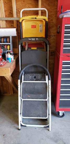 Ladders & Step Stools, Approx 8