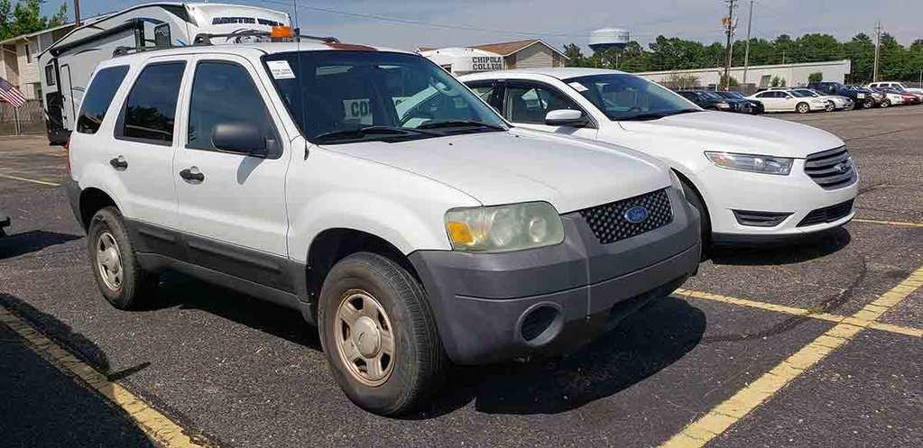 2005 Ford Escape SUV, s/n 1FMYU92Z55KE15605: 4wd, Gas Eng., 4-door, White,