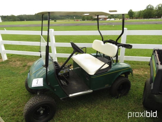 EZGo Electric Golf Cart, s/n 2618030 (No Title): 36-volt, Lifted, Charger