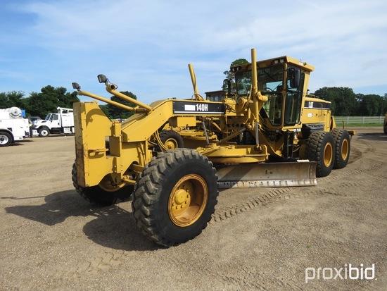 2005 Cat 140H VHP Motor Grader, s/n APM01997: C/A, Rear Ripper/Scar., Push