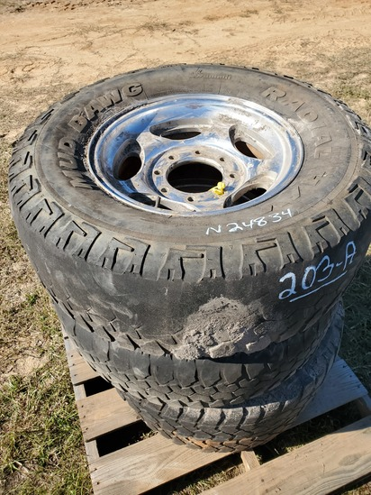 """(4) 16"""" Chrome Ford Rims with Tires"""