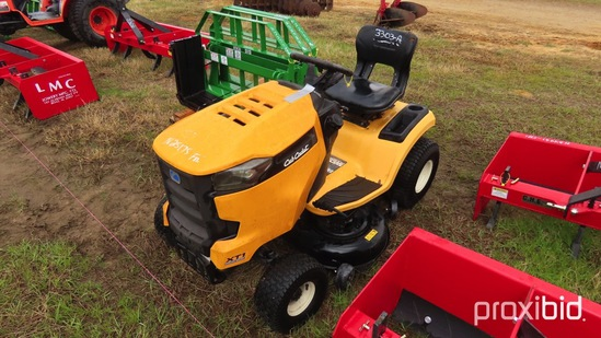 Cub Cadet XT1 Lawn Mower s/n 30012