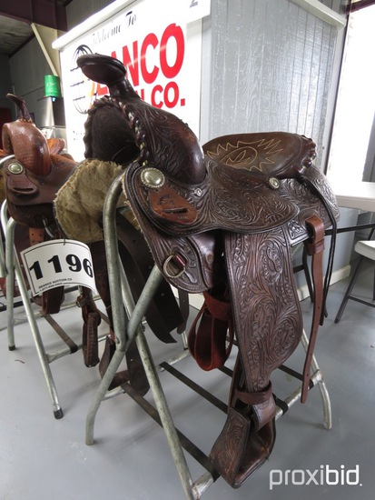 Western Pleasure Saddle, s/n 5474 (Saddle Only - Rack is not included)