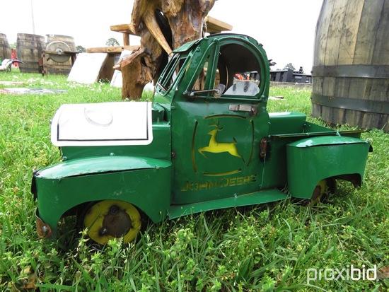 John Deere Metal Truck