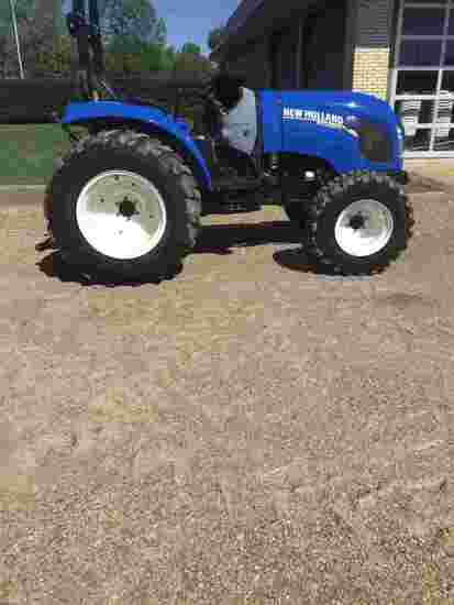 2015 New Holland Boomer 41 MFWD Tractor, s/n 2231012149: Rollbar Canopy, Di