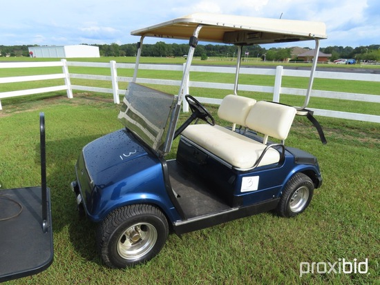 Yamaha Gas Golf Cart, s/n JF2-400165 (No Title): AM/FM Radio, Windshield