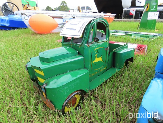 John Deere Metal Mini Truck