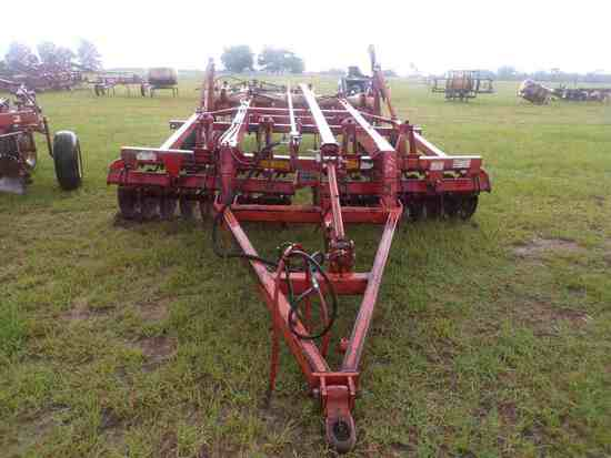 Krause 6100, 14 ft. Soil Finisher