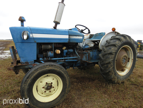 Ford 2000 Tractor, s/n C333136: ID 42776