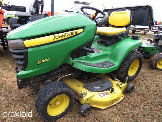 John Deere Z300 Riding Lawn Mower, s/n M0X320A153433: 1388 hrs