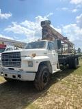 1989 FORD F800 BOOM TRUCK JLG BOOM DIESEL MATERIAL HANDLE  S/N 1FDPK84A5KVA