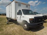 2009 FORD E450 B31926 W/ LYNCOACH ENCLOSED BOX BED AND POWER LIFT GATE WHIT