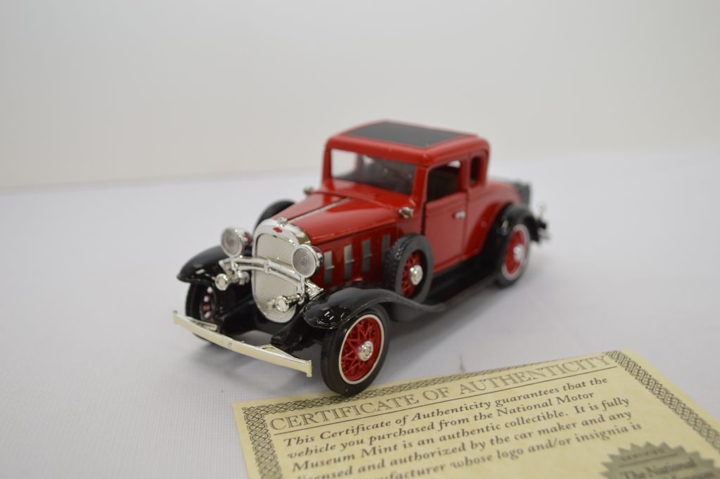 Lot: 1/32 Scale 1932 Chevy Coupe Convertible Confederate