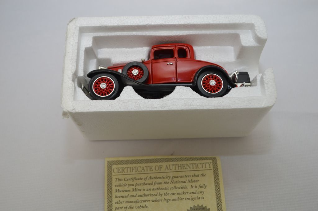 Lot: 1/32 Scale 1932 Chevy Coupe Convertible Confederate Series Toy