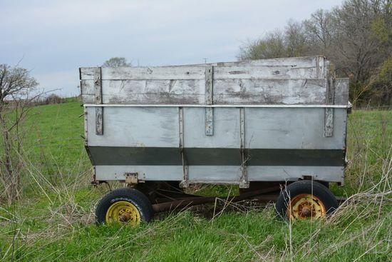 Metal Flare Wagon, JD gear, needs hoist