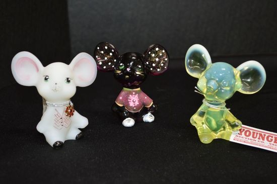 3 Mice Figurines: 1 Opalescent Vaseline, 1 White Custard Hand painted and S