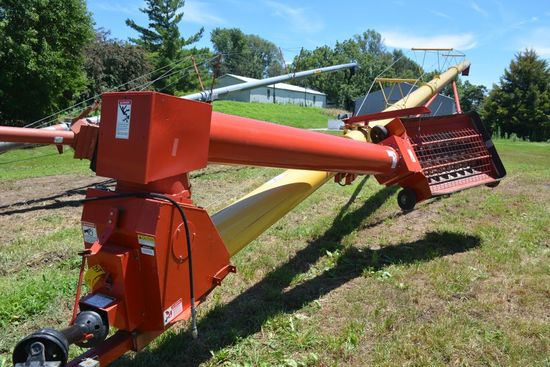Westfield 13x71 Auger, Swing Away Hopper, Hydraulic Lift - 2.5 % BUYER'S PREMIUM ON THIS LOT