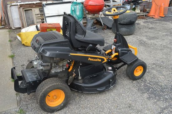 "2017 Poulan 10 1/2 HP 30"" Riding Mower - Like New"