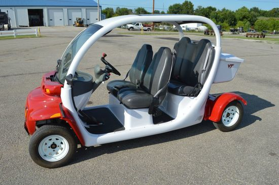 2002 GEM CT825 Electric 4 Seater Golf Cart, Loaded, Title, New Batteries le