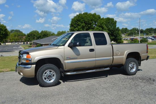 2004 Duramax Diesel 2500, Gold/Tan, Extended Cab, New Box Sides
