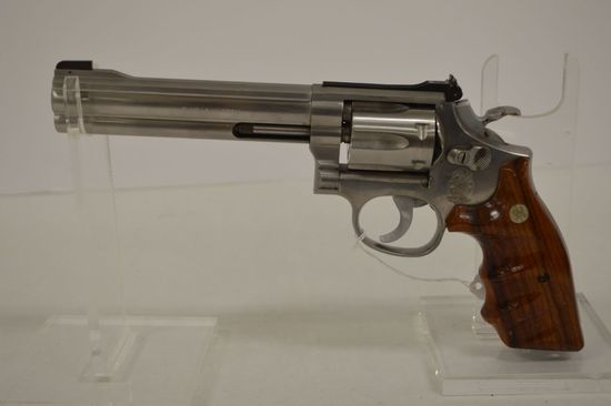 Smith and Wesson Model 617, K-22 Masterpiece Stainless 22LR K-Frame 6 in. F
