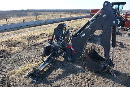 Bradco Back Hoe Attachment, 2' Tooth Bucket, New 430, 440 Case Brackets on