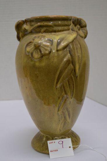 Gonder M-8 Zanesville Ohio Vase w/ Dogwood and Leaf Pattern, 12 x 6 in.