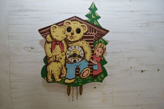 Childs Golden Locks and 3 Bears Clock, Made in Germany, 5 1/2""