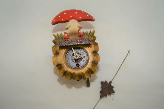 Small Gnomes Motion Clock, 6""