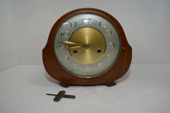 "Smiths Round Key Wind Mantel Clock, 8 "" - No Key"