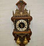 Warmink Holland Wall Clock w/ 2 Weights and Pendulum Inside, Man w/ World o