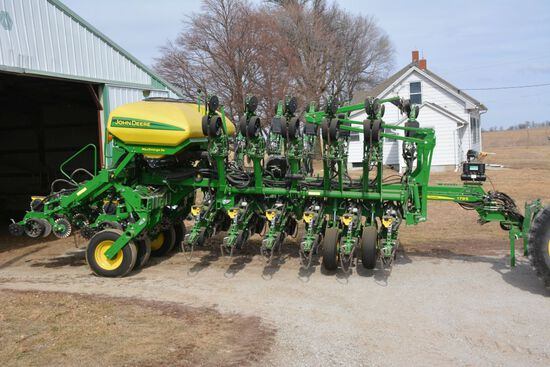 2019 John Deere 1795 Max Emerge 5E, 16/32 Row Splitter, Commodity Fill w/ Marke