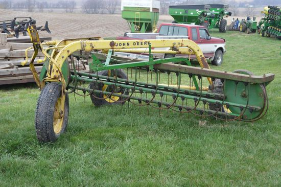John Deere Hay Rake w/ Dolly Wheel, Rubber Teeth, Mdl 640-5Bar