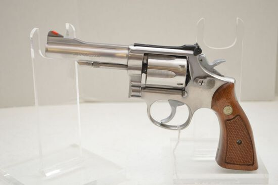 Smith and Wesson .38 Special 67-1 S/N:206K428