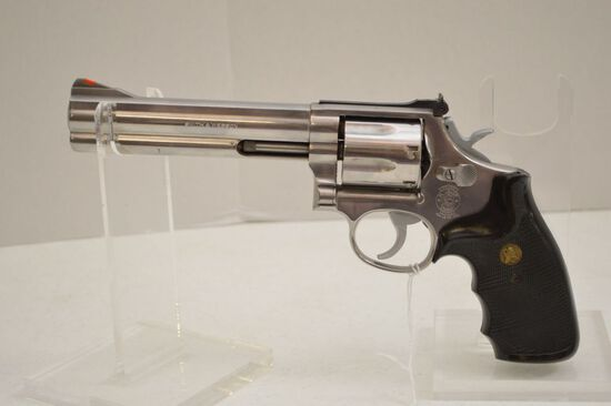 Smith and Wesson .357 Mag Pistol AUY3084 M M686-1