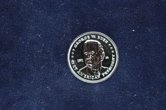 """1991, 41st American President """"George W. Bush"""" Double Eagle Coin from Littl"""