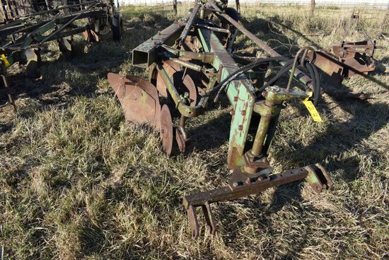 John Deere Steerable 5 Bottom Plow