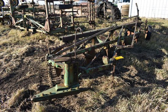 John Deere 5 Bottom Plow, 2Pt, Adjustable, Needs Some Cutting Blades