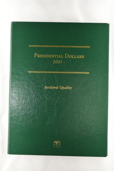 2007 Presidential Dollars Book by Littleton w/ 16 Presidential Coins