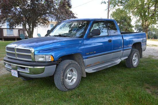 1997 Dodge 1500, 5.9L V8 Magnum, Like New 265-75 R16 Tires, Blue, Extended