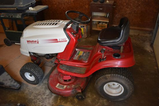 """White Outdoor LT542G Automatic, 42"""" Riding Lawn Mower"""