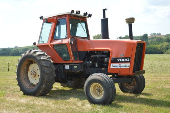 1978 AC 7020 Tractor Black Belly, Power Shift, 2 SCV's, 18.4-38 Rear Rubber