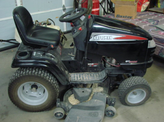 Craftsman GT5000 Riding Lawnmower