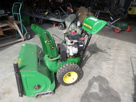 John Deere 1332 PE Pro snowblower, sn LM1332P010302, Briggs 1650 gas power,